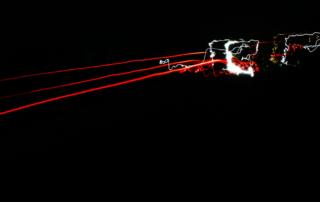 Laser - foto av Emiliano Vittoriosi/Unsplash